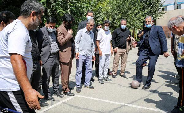 توپ بازی شهردار جدید تهران ! + عکس