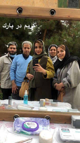شبنم قلی خانی و گروه فیلمبرداریش در پارک + عکس