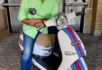 خواهرزاده فردین با وسیله نقلیه شیکش+عکس