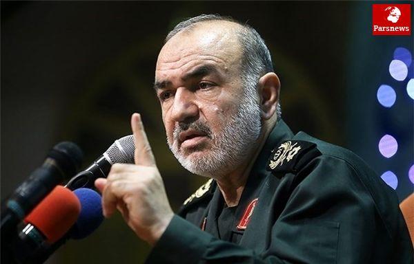 سردار سلامی:هر تعرضی به آبهای سرزمینی خلیج فارس با قدرت سپاه روبهرو میشود