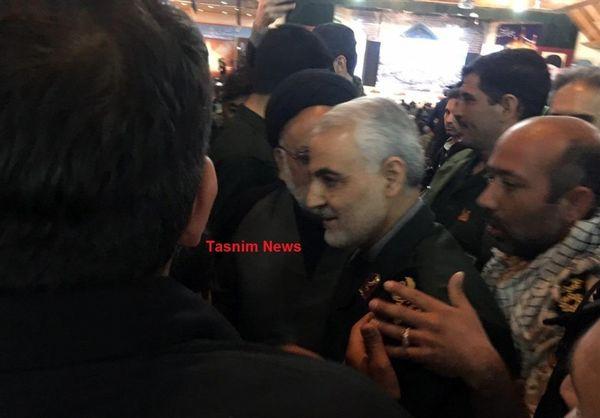 حضور سردار سلیمانی در مراسم گرامیداشت شهدای حادثه تروریستی زاهدان