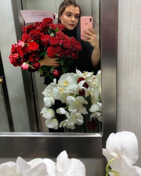 خانم بازیگر و دسته گل بسیار سنگینش!+عکس