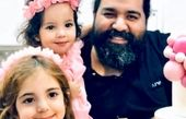 رضا صادقی و  دو دختر فرشته اش+عکس
