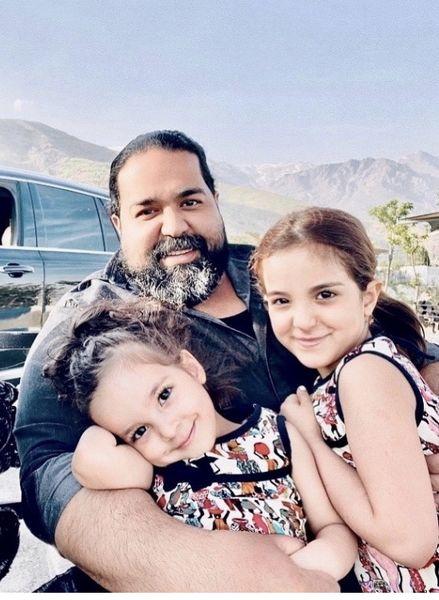 عاشقانه های رضا صادقی و دخترانش + عکس