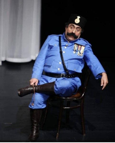 ظاهر متفاوت خسرو احمدی در یک نمایش + عکس