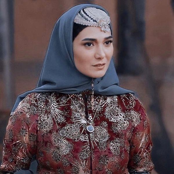 لباسهای عهد قجری مینا وحید + عکس
