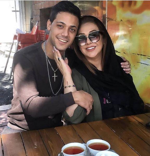 کافه گردی مادر حامد بهداد با پسرش + عکس