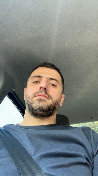 سلفی علی ضیا در ماشین شخصیش + عکس