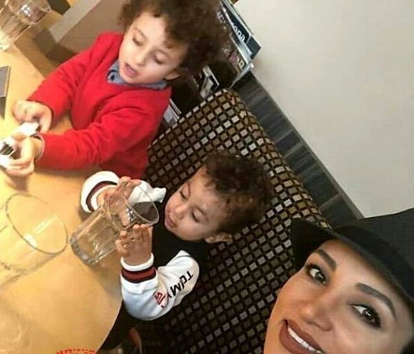 رستوران گردی روناک یونسی و پسرانش در کانادا+عکس