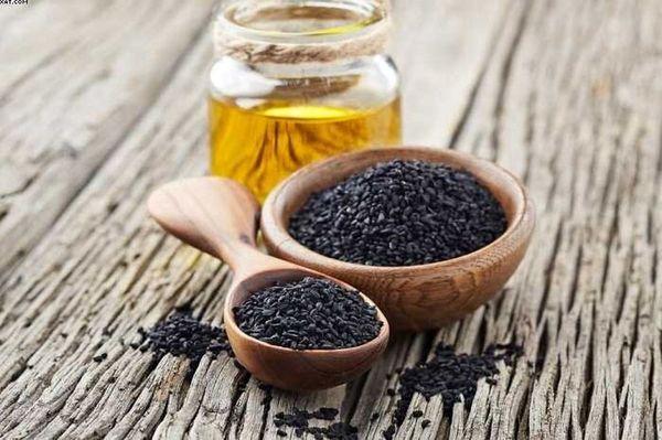 سیاه دانه و عسل دشمن کرونا