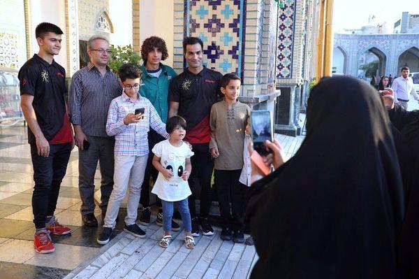 دیدار فینالیست های عصر جدید با مردم در مشهد+عکس
