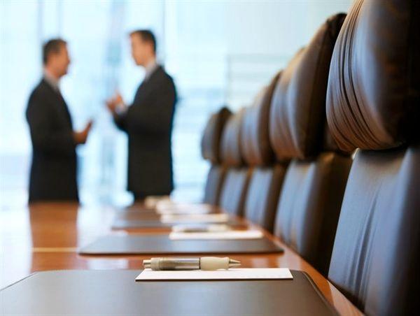 وزیر صنعت پاسخ دهد؛ توزیع کالاهای استراتژیک مردم به چه کسی واگذار می شود؟