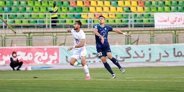 بازیکن فوتبالی که سر و ته شد+ عکس