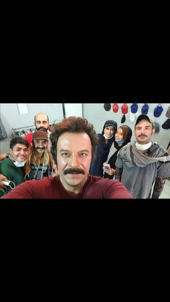 سلفی حساممنظور با همکاران سریال جدیدش + عکس