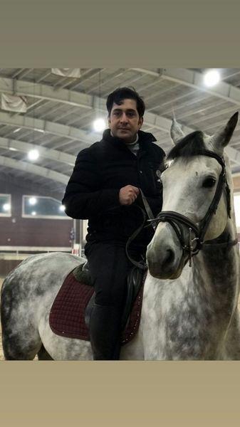 اسب سواری وحید شیخ زاده + عکس
