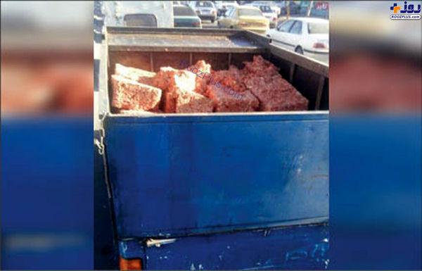 حمل عجیب گوشت چرخ کرده با نیسان آبی! +عکس