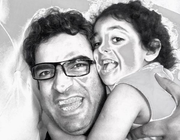بازی های کودکانه منوچهر هادی با دخترش + عکس