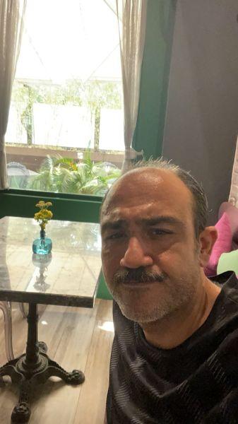 سلفی مهران غفوریان در خانه اش + عکس