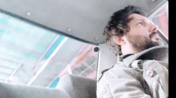 حامد بهداد در تاکسی + عکس