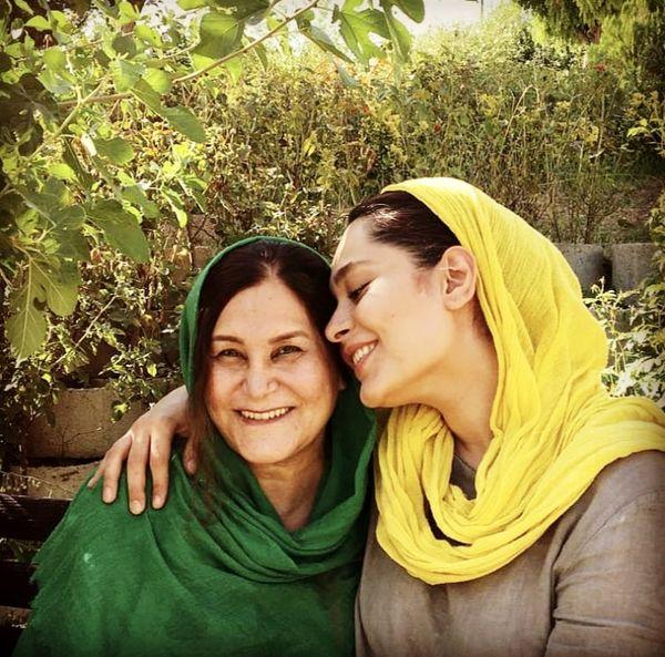سانیا سالاری با مادرش + عکس