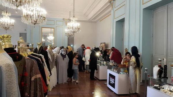 برگزاری شوی لباس در کاخ نیاوران و حاشیههای آن!