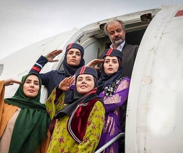 هواپیمای اختصاصی آقای بازیگر و دخترانش+عکس