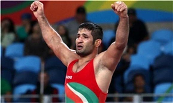 شروع مقتدرانه ایران در مسابقات جام جهانی کشتی فرنگی/ پیروزی صالحی زاده مقابل نایب قهرمان جهان