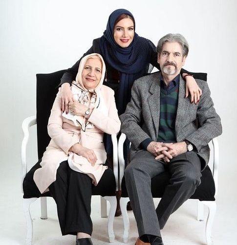متین ستوده در آغوش پدر و مادرش + عکس