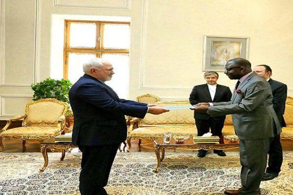 سفیر جدید مالی رونوشت استوارنامه خود را تقدیم ظریف کرد
