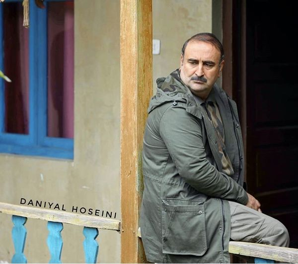 مهران احمدی در خانه ای روستایی + عکس