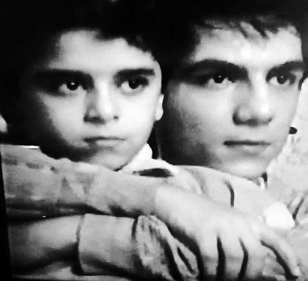کودکی برادران وضعیت سفید + عکس