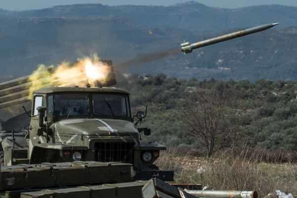 آغاز حملات سنگین ارتش سوریه به مواضع تروریستها در حومه ادلب