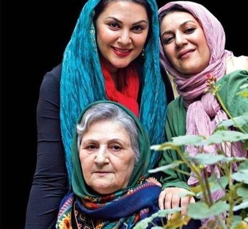 خواهران اسکندری و مادر زیبایشان