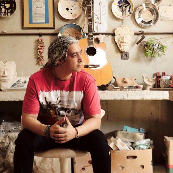 مازیار فلاحی در اتاق شلوغ پلوغش+عکس