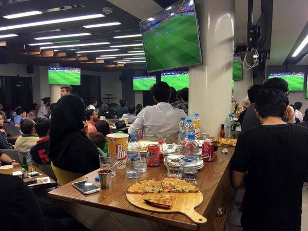 Image result for پخش فوتبال از قهوه خانه