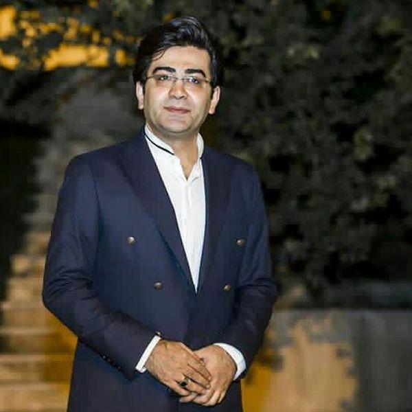 شاه آبادی: فرزاد حسنی، مجری شب های قدر شد