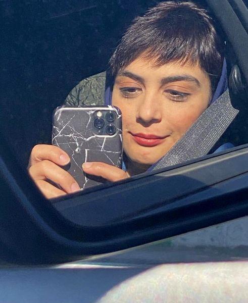 مارال فرجاد در ماشین لاکچریش + عکس