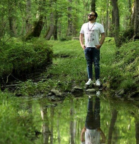 عکس تلالویی بهرنگ علوی در جنگل های زیبا