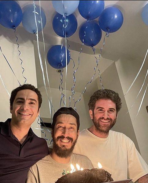 نوید محمدزاده و هوتن شکیبا در تولد بازیگر مشهور + عکس