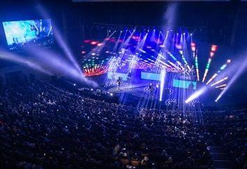 کنسرت خوانندگان برای مسافران نوروزی در مازندران