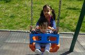بچه های نیما کرمی در پارک + عکس