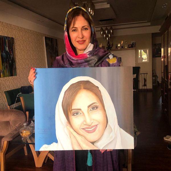 هدیه خانم هنرمند به فاطمه گودرزی+عکس
