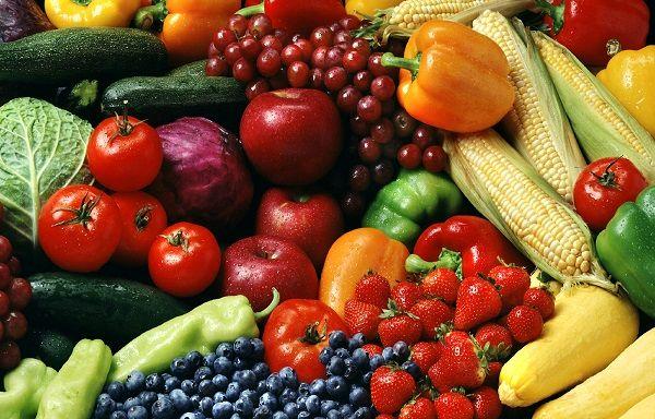 ضرورت استفاده از سموم کم خطر در مزارع و باغات