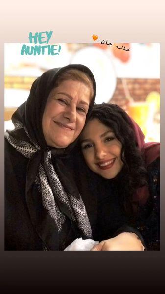 جوانه دلشاد در آغوش خاله اش + عکس
