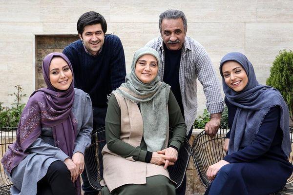 عکس یادگاری خانواده نظری پشت صحنه سریال دلدار