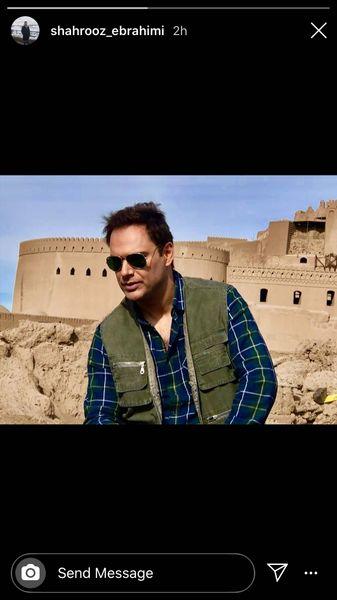 شهروز ابراهیمی در کنار بنایی تاریخی + عکس