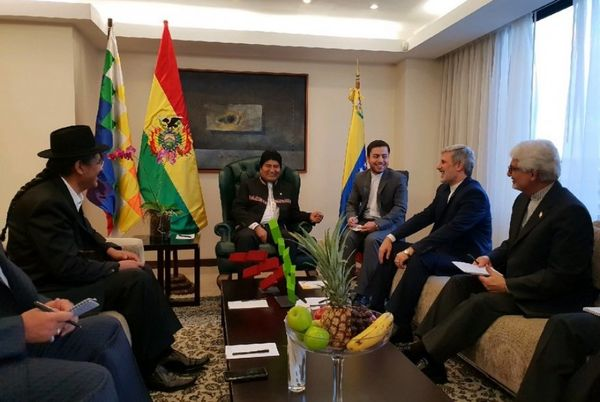 دیدار وزیر دفاع جمهوری اسلامی ایران با رئیس جمهور بولیوی