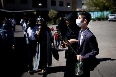 خروج دانش آموزان نابینا از مدرسه ویژه نابینایان شهید محبی تهران