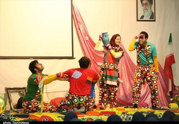 پنج نمایش متفاوت در بخش صحنهای و خیابانی در کاشان اجرا شد