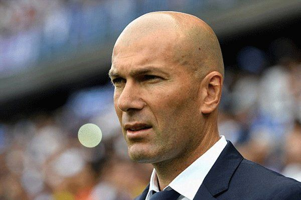 تماس تلفنی سرمربی رئال مادرید با مدافع بایرن مونیخ